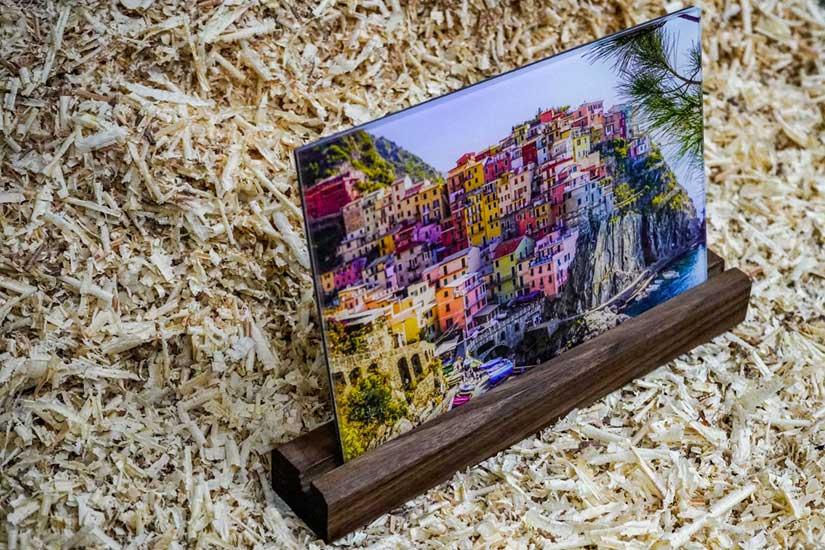 Foto-Aufsteller aus Nussbaum Holz